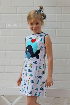 Das Kleid ist ein einfach zu nähender Basic-Schnitt mit zwei Ärmelvarianten: Für den Frühling enthält der Schnitt einen Halbarm, für den Her...