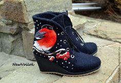 """Купить Ботинки валяные женские """"Снегири"""" - ботинки, ботинки валяные, Валяные ботинки, валяная обувь"""