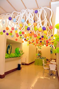 Btrizballoon: children's party Monster S.A PIXAR (Matheus) decor - Balloon Decorations 🎈 Ballon Decorations, Balloon Centerpieces, Party Decoration, Birthday Decorations, Balloon Ceiling, Balloon Drop, Love Balloon, Hanging Balloons, Round Balloons