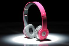 New Beats just in! New 6 colors solo 6(Rose Red) Please allow 5-7 days extra to get these goods