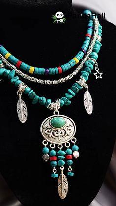 PandaHall video: tutorial of a bohemian style necklace - The video of making a bohemian necklace with materials: turquoise beads, wooden beads, gemstone bea - Bead Jewellery, Fashion Jewelry Necklaces, Handmade Necklaces, Fashion Necklace, Handcrafted Jewelry, Bracelet Crafts, Jewelry Crafts, Beaded Bracelets, Jewelry Ideas