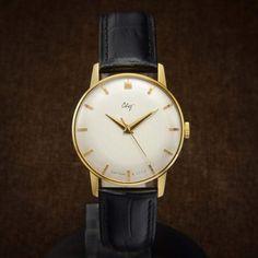 Svet Mens NOS Soviet Luxury Watch From 60