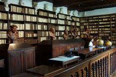 /Library_of_Plantin-Moretus_Museum_in_Antwerp.jpg