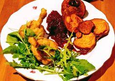 Rántott csirkenyalóka céklás-szilvás szósszal, batátaszirommal   Vargáné Kőrösi Viktória 🎨 receptje - Cookpad receptek Pesto, Food, Essen, Meals, Yemek, Eten