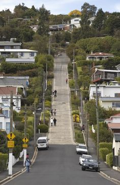 Baldwin St, Dunedin, New Zealand is the world's steepest street | DailyTelegraph