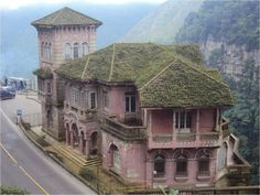 The Hotel del Salto is located near Tequendama Falls, Bogotá River, Colombia. It was opened in 1924 and closed down in Some people say that the - Interesting - Check out: The Most Beautiful Abandoned Hotel on Barnorama Great Places, Beautiful Places, Places To Visit, Abandoned Buildings, Abandoned Places, Haunted Hotel, Haunted Places, Colombia Travel, Weird Pictures