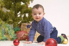 Little Boy Christmas Pictures Poses Ideas for Kids, Children in front of Christmas Tree