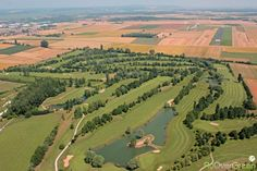 Golf de Beaune Levernois, Côte-d'Or, Bourgogne-Franche-Comté, France. Vidéo aérienne sur FlyOverGreen / Aerial video on FlyOverGreen