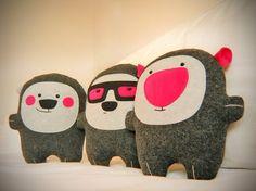 Bambak adorable pink nose stuffie by Bambaks on Etsy Felt Monster, Felt Crafts, Felt Diy, Old Toys, Fabric Dolls, Craft Patterns, Softies, Decor Crafts, Art Dolls