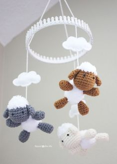 Crochet projects 309763280591517627 - Repeat Crafter Me: Crochet Lamb Pattern and Baby Mobile Source by californiahands Bobble Crochet, Crochet Sheep, Crochet Diy, Crochet For Kids, Crochet Crafts, Crochet Dolls, Yarn Crafts, Crochet Projects, Tutorial Crochet