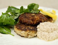 Meatless Monday: Falafel and Tahini Sauce. Great recipe!
