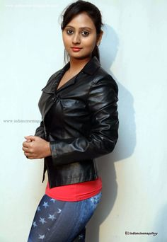 Amulya-at-male-movie-press-meet-(7)