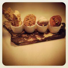 cantucci senza lattosio, cookies con zucchero integrale di canna, meringhette al cacao e frangipane alla nocciola