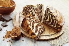 Préparation : 1. Préchauffez votre four à 180°. 2. Dans un saladier, mélangez au fouet l'huile, le lait, le sucre et les oeufs pour obtenir un…