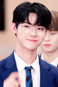 Produce 101, Pop Idol, Kihyun, Kpop Boy, My Boys, Mens Glasses, Treasure Boxes, Season 4, Ulzzang