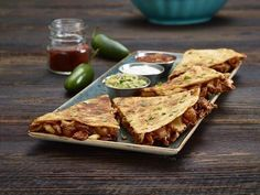 Chicken Quesadilla at @HRCIndia as part of their Taste of Mexico Menu available till 31st May in both their locations at Saket & Cyber Hub.  The limited edition menu includes everything from tacos to quesadillas to irresistible mains all of which incorporate traditional Mexican-inspired spices and flavors! It also features a selection of tequila cocktails and shots served with a classic Hard Rock twist!  So what are you waiting for Get ready to experience the #TasteOfMexico  #DforDelhi…