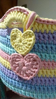 Crochet Case, Crochet Stitches Free, Crochet Storage, Crochet Box, Knitting Patterns Free, Crochet Patterns, Crochet Circle Pattern, Crochet Basket Pattern, Knit Basket