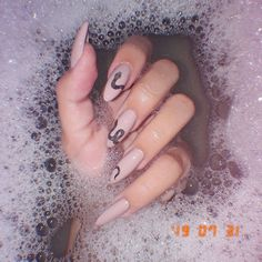 Discovered by Moon Goddess. Find images and videos about girl, fashion and style on We Heart It - the app to get lost in what you love. Edgy Nails, Black Stiletto Nails, Matte Black Nails, Aycrlic Nails, Stylish Nails, Swag Nails, Edgy Nail Art, Almond Acrylic Nails, Best Acrylic Nails