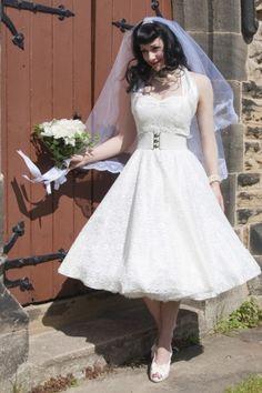 20 OF THE MOST VINTAGE TEA-LENGTH WEDDING DRESSES