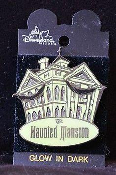 Disneyland HAUNTED MANSION 2001 3D Glow in the Dark Pin - Retired Disney Pins