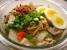 Filipino Mami Noodle Soup (Pancit Mami), via Pinoy Recipes