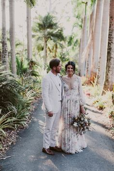 HANNAH & RYAN'S SUNSHINE COAST WEDDING – Hello May Wedding Suits, Wedding Gowns, Love Birds Wedding, Wedding Week, Linen Suit, Sunshine Coast, Suit And Tie, Linen Dresses, Dapper