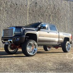 This particular photo is honestly a remarkable design approach. 4 Door Trucks, Lifted Chevy Trucks, Gm Trucks, Diesel Trucks, Cool Trucks, Pickup Trucks, Truck Mods, Kenworth Trucks, Gmc 4x4