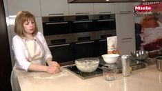 Kürtöskalács Kurtos Kalacs, Chimney Cake, Hungarian Recipes, Desserts To Make, What To Make, Bread Baking, Pregnancy Photos, Food Truck, Food Videos