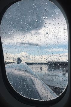 let the rain fall down Airplane Photography, Minimal Photography, Travel Photography, Window Photography, Travel Images, Travel Pictures, Cool Pictures, Airplane Window View, Rain Fall Down