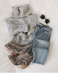 Pretty Winter outfits Source by eleonorekiefer Fall Fashion 2020 Look Casual Otoño, Simple Casual Outfits, Look Chic, Trendy Outfits, Women's Casual, Pastel Outfit, Mode Outfits, Fashion Outfits, Womens Fashion