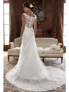 A-Line Scoop Neck Sleeveless Chapel Train Lace Wedding Dress