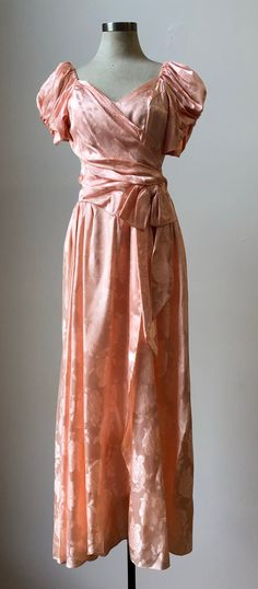 Vintage Dress / Pink Dress / Prom Dress / Pretty In Pink Dress Decades Fashion, 80s Fashion, 80s Prom Dresses, Modest Dresses, Prom Outfits, Movie Outfits, Romantic Outfit, Romantic Clothing, 1980s Prom