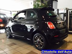 Fiat 500 S - 1.2 69 cv - km 0 - immatricolata Agosto 2015 - colore nero - Ruotino/Sensori di parcheggio. Da noi a soli €. 11.400 oltre a passaggio di proprietà. 12 Mesi di garanzia. 347/2925074 d.rondi@ghinzanigroup.it 393/3885074 mvecchio5@gmail.com Per tutte le nostre offerte visitate il sito: www.cittadelladellauto.it