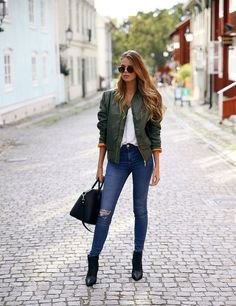 Josefin Ekstrom Green Bomber Jacket Fall Inspo: Ready To ReMaster! Casual Work Outfits, Mode Outfits, Fall Outfits, Fashion Outfits, School Outfits, Blazer Fashion, Sexy Outfits, Summer Outfits, Look Fashion