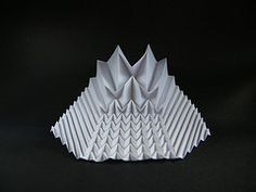 Fractal progression - Ray Schamp (frontal view) (Rui.Roda) Tags: origami ray fractal papiroflexia progression corrugation schamp
