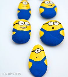 Rock Painting Crafts – Creative Painting for Kids - A More Crafty Life painting ideas easy for kids Rock Painting Patterns, Rock Painting Ideas Easy, Rock Painting Designs, Creative Painting Ideas, Rock Painting Ideas For Kids, Painted Rocks Craft, Hand Painted Rocks, Painted Pebbles, Stone Crafts