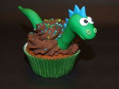 Children's Birthday Cakes Dinosaur Cake Pops, Dino Cake, Dinosaur Birthday Cakes, 4th Birthday Cakes, Dinosaur Party, Childrens Cupcakes, Kid Cupcakes, Themed Cupcakes, Cupcake Cakes