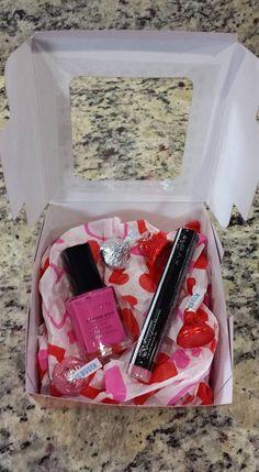 AVON Valentine's Day Gifts - Shop now at http://daniellepine.avonrepresentative.com