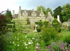 english garden and manor house
