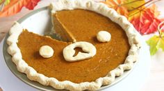 A kawaii Rilakkuma twist on the classic pumpkin pie :-) Enjoy, and make sure to share pictures of your treats on Facebook and Instagram with the hashtag #kaw...