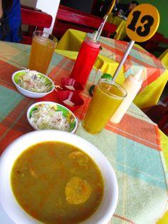 Sopa de plátano frito, comida pastusa en Colombia