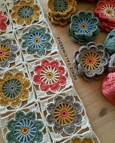 Granny Square Crochet Pattern, Crochet Blocks, Crochet Squares, Crochet Blanket Patterns, Crochet Motif, Crochet Doilies, Crochet Flowers, Crochet Stitches, Knitting Patterns