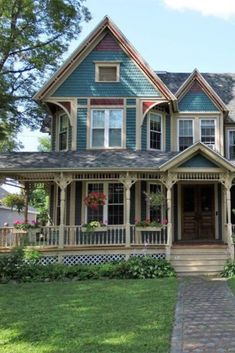 1904 Village Victorian For Sale In Richfield Springs New York — Captivating Houses – rustic home exterior Victorian Homes Exterior, Victorian House Plans, Rustic Houses Exterior, Victorian Style Homes, Dream House Exterior, Victorian Architecture, Victorian Village, Victorian Houses For Sale, Vintage Houses
