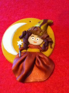 Nuevo modelo de bruja con varita mágica! Cuidado con meterte con ella!! En tonos ocre