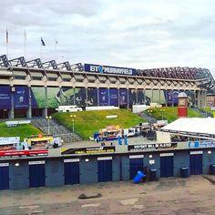 Shared by richardstandrews #landscape #contratahotel (o) http://ift.tt/2ayvhZD #Murrayfield #MurrayfieldStadium #EstadioDeMurrayfield #Estadio #Stadium #Edinburgh #Edimburgo #Scotland #Escocia #uk #ukpotd #brilliantmoments #visitEdinburgh #visitScotland #instascotland #lugaresmaravillosos #rinconesconencanto #niceview #Nationalteam vs #Francia #France #ScottishRugby  #sunday #domingo #paisajes s #sports #deportes