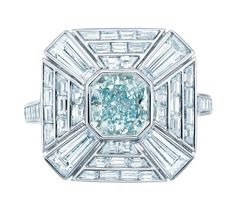 "La bague ""Colors of Wonder"" de Tiffany & Co. http://www.vogue.fr/joaillerie/le-bijou-du-jour/diaporama/la-bague-colors-of-wonder-de-tiffany-co/10314"