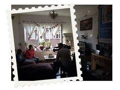 19 sept. 2014 - Projectambassadeur Giovanni verkoopt aanstaande dinsdag de eerste kinderpostzegels aan zijn idool André Kuipers in het Rijksmuseum. Hart van Nederland was gisteren alvast bij Giovanni, zijn moeder Cindy en zijn mentor Charline om een reportage te maken. Deze is aanstaande zondag om 22.30 uur te zien op SBS 6. En het gaat maar door, want op maandagochtend zitten Cindy en Charline tussen 10.00 en 11.00 uur bij Koffietijd aan tafel. Allemaal kijken dus!