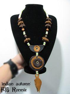 Collar de cuero/leather - love this!