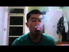 ΣΟΚ: Δείτε τι κάνει αυτός ο τρελός Κινέζος με τα τσιγάρα που καπνίζει! [video] - http://www.kataskopoi.com/27382/%cf%83%ce%bf%ce%ba-%ce%b4%ce%b5%ce%af%cf%84%ce%b5-%cf%84%ce%b9-%ce%ba%ce%ac%ce%bd%ce%b5%ce%b9-%ce%b1%cf%85%cf%84%cf%8c%cf%82-%ce%bf-%cf%84%cf%81%ce%b5%ce%bb%cf%8c%cf%82-%ce%ba%ce%b9%ce%bd%ce%ad%ce%b6/