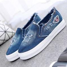 Tendance Chaussures 2017/ 2018 :    Description   Summer loafers Women Canvas Shoes High Quality Denim Female Flats Lady Leisure Round Toe Shoes XK071612 chaussure femme    - #Chausseurs https://madame.tn/fashion/chausseurs/tendance-chaussures-2017-2018-summer-loafers-women-canvas-shoes-high-quality-denim-female-flats-lady-leisure-r/